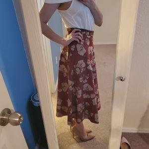Pretty Chicwish midi skirt, size S.
